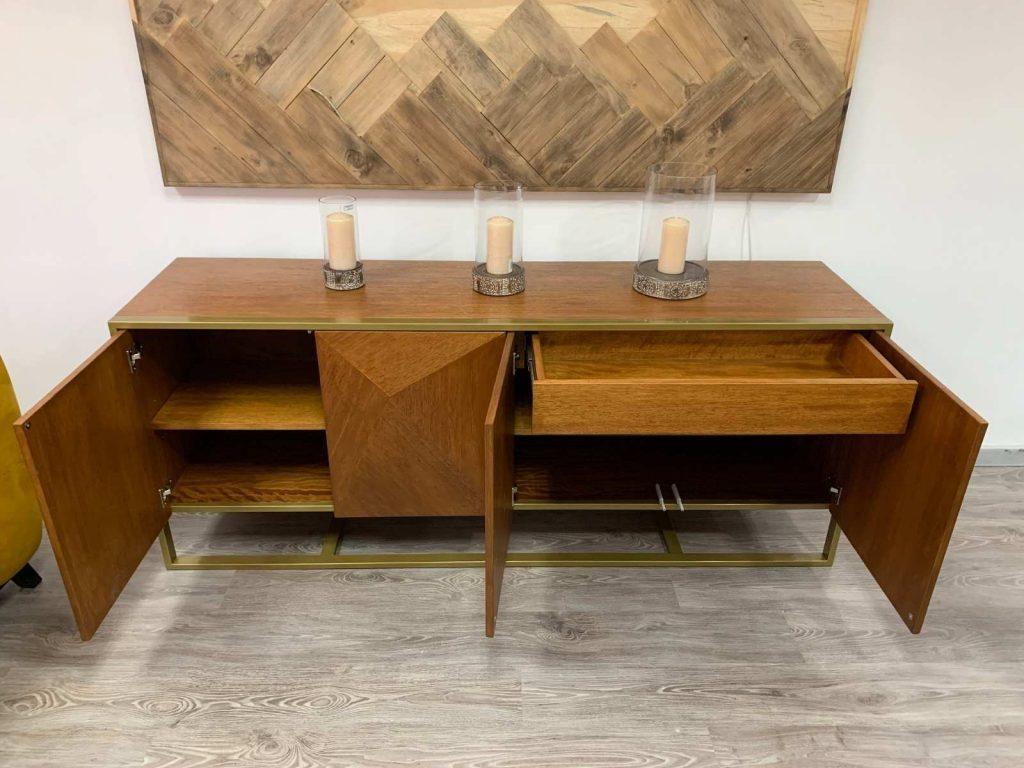 Bufetero moderno, madera con metal